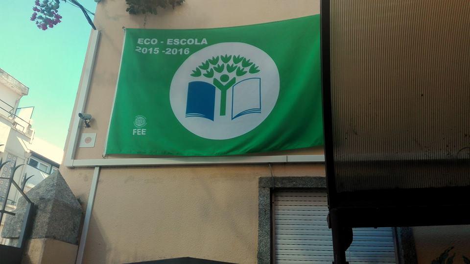 Colégio D. Duarte hastea a bandeira verde