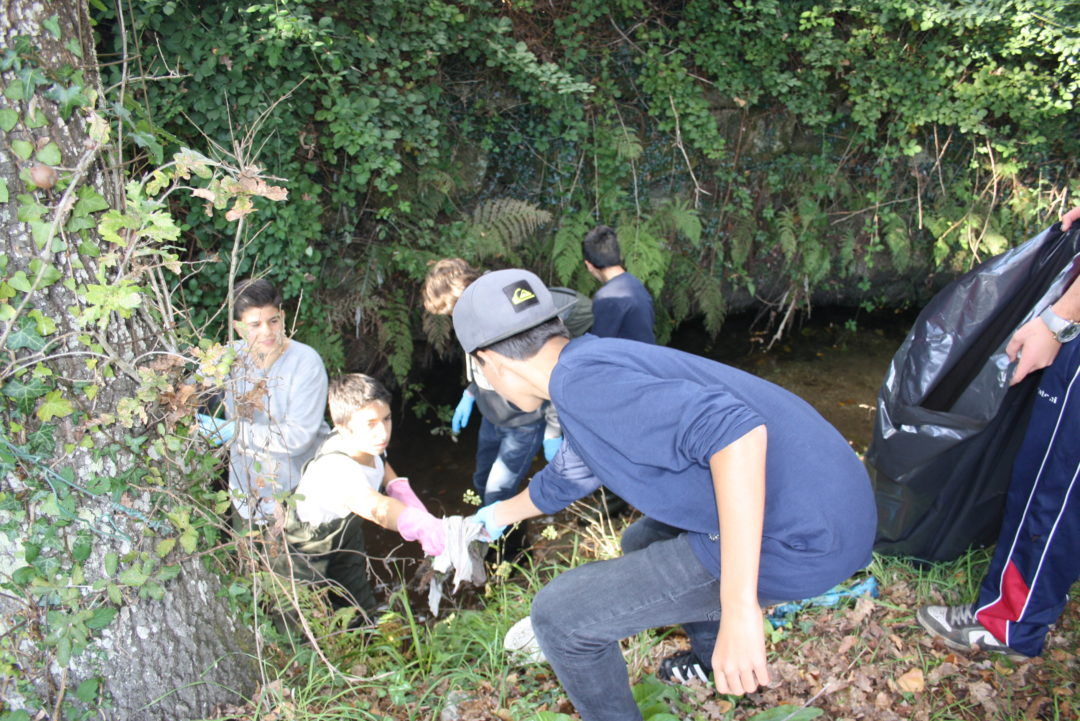 Limpeza do troço do rio Este adotado pela Escola Básica de Gualtar – 28 de abril de 2017