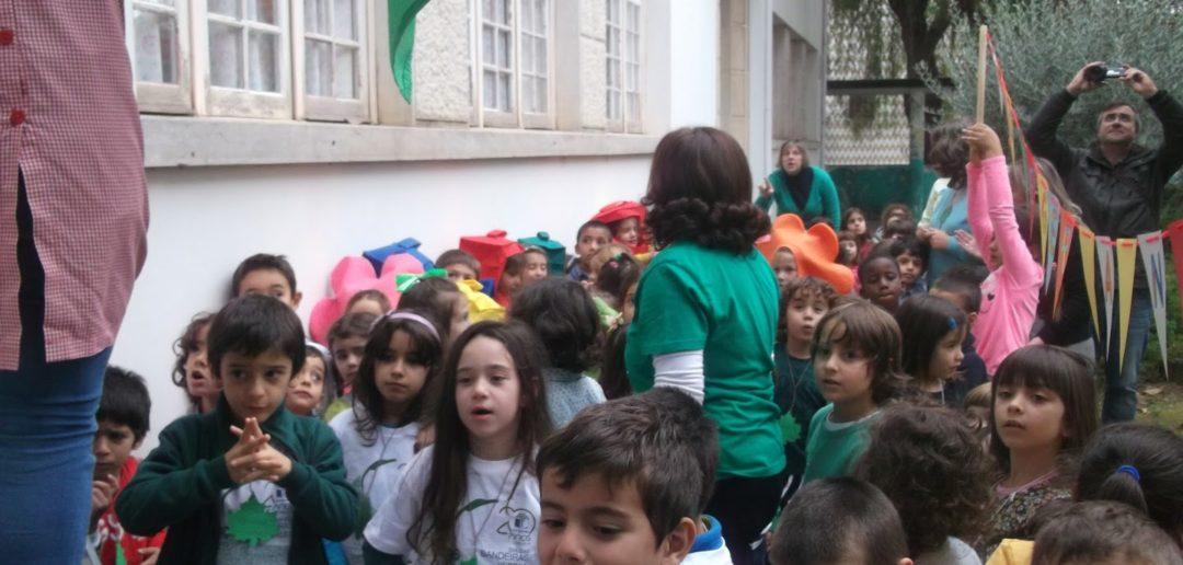 O hastear da 4.ª Bandeira Eco Escolas da EB/ Ji de Águeda