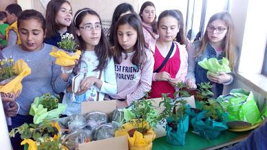 Exposição de Trabalhos e venda de plantinhas de jardim, aromáticas e medicinais …