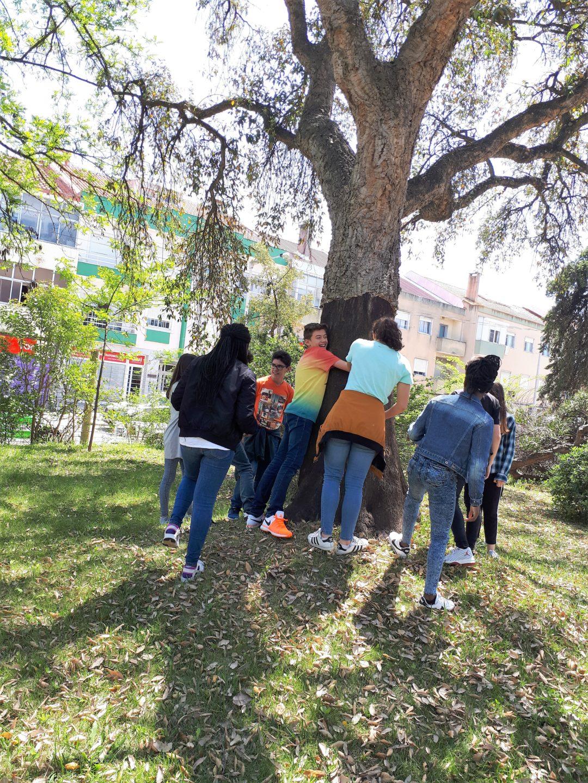 Dia da Terra – Visita dos novos alunos da escola ao seu jardim