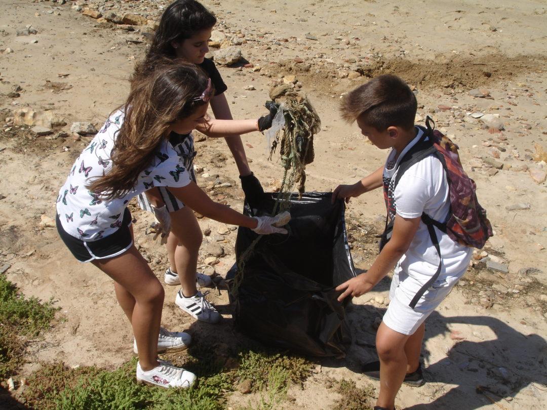 Voluntariado Ambiental nas salinas da Ria Formosa