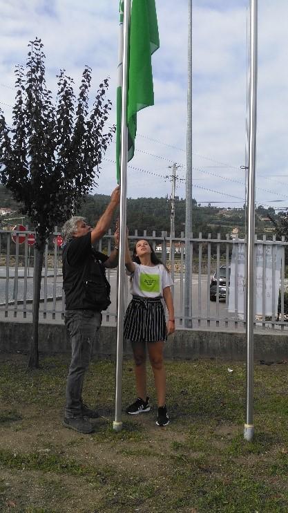 Dia 27 de setembro – Greve Climática Global #ecoescolasfazpeloclima  #globalactiondays  EBSTN – Bandeira Verde Eco-Escolas a meia haste!