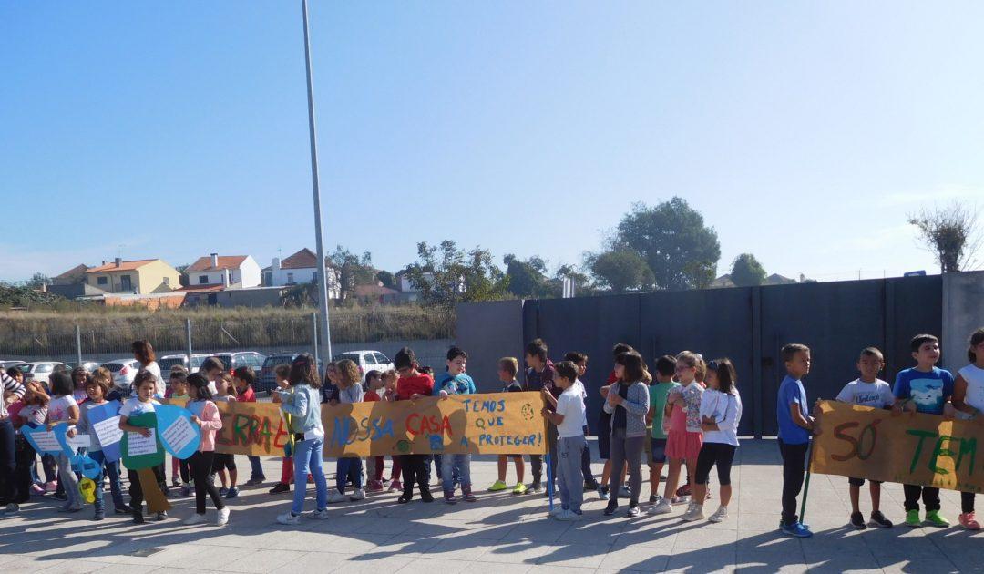 Centro Escolar de Salreu adere à greve climática global