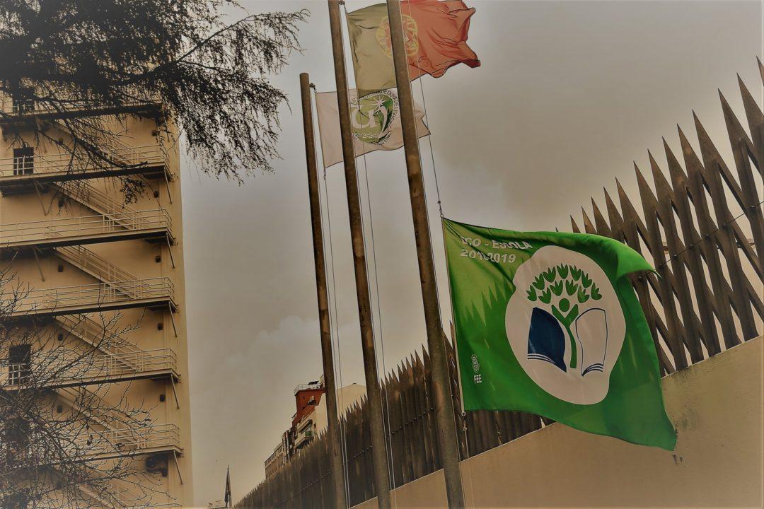 Greve Climática Geral – NOVA FCSH com Bandeira a Meia Haste