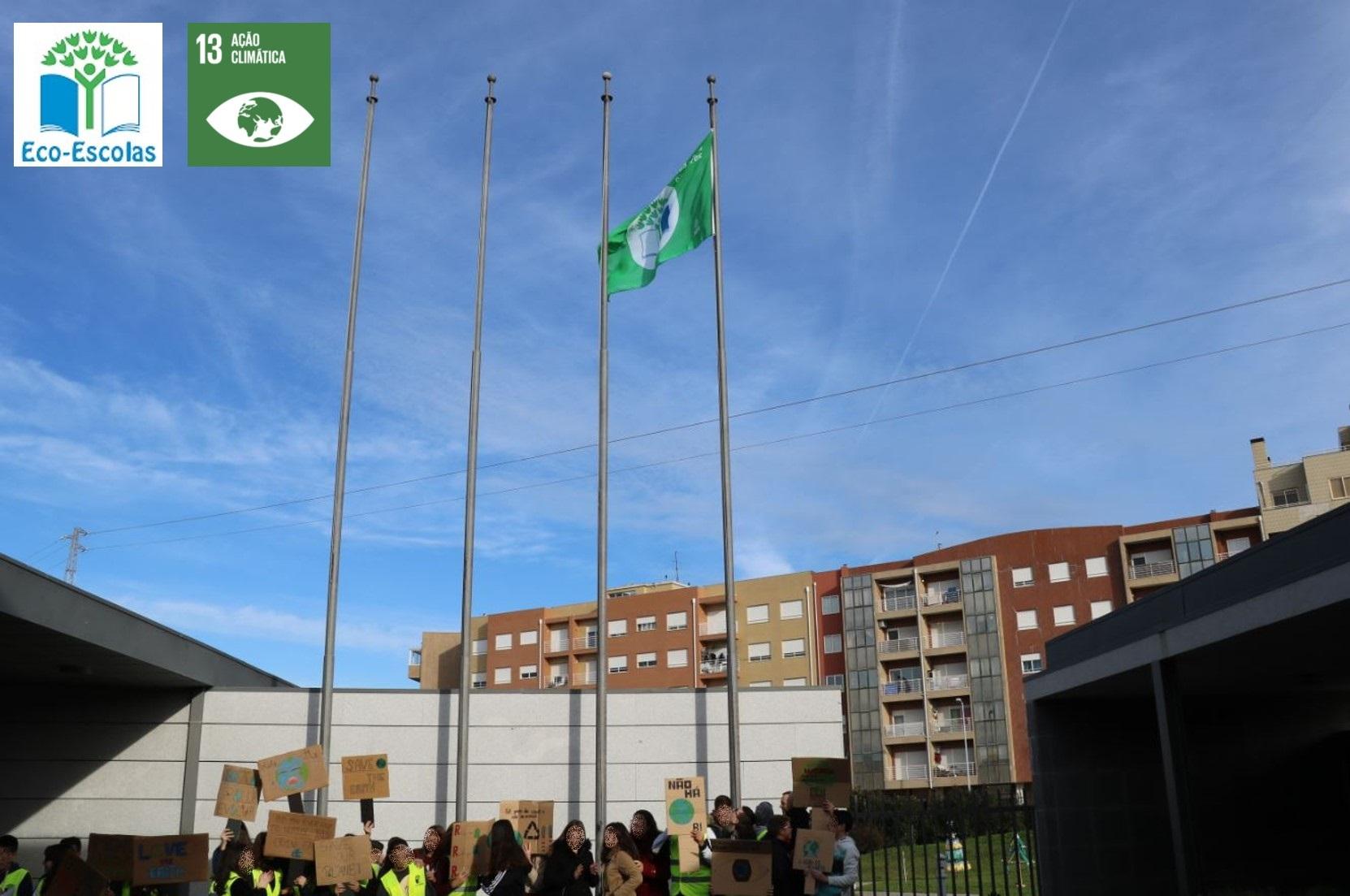 O hastear da segunda Bandeira Verde da Escola Básica e Secundária de Canelas