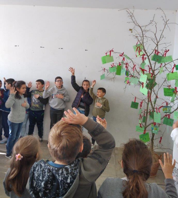 """Ação de sensibilização para a comunidade escolar. """"ÁRVORE DOS COMPROMISSOS"""" #fazpeloclima EB Macieira da Lixa"""